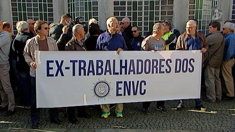 Ex-trabalhadores dos estaleiros de Viana em protesto