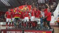 Hóquei em Patins: Valter Neves levanta Taça Continental