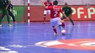 Benfica bate Leões de Porto Salvo nos últimos segundos