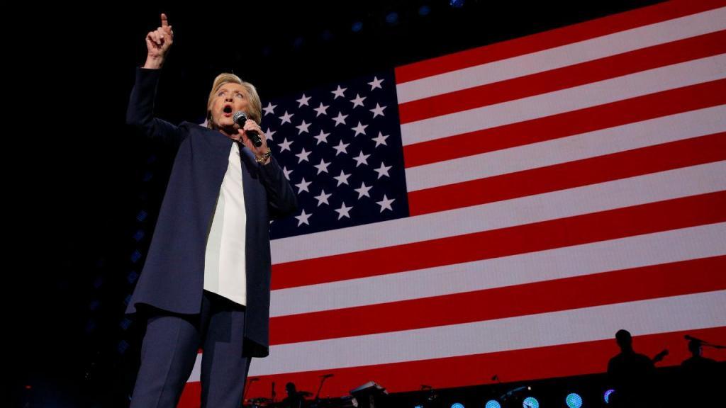 Beyonce e Jay Z ao lado de Clinton a quatro dias das eleições