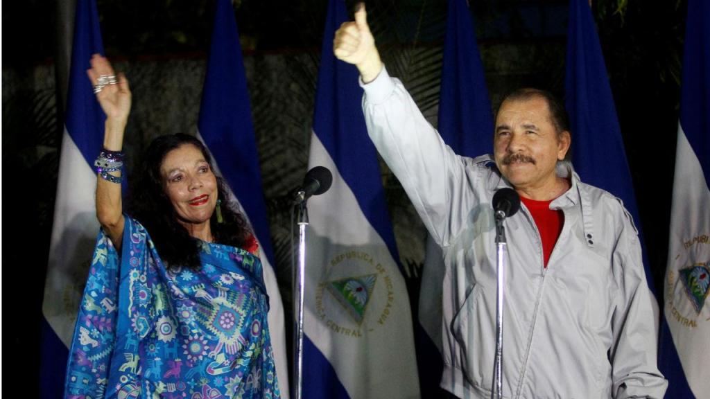 Daniel Ortega e Rosário Murillo vencem eleições na Nicarágua