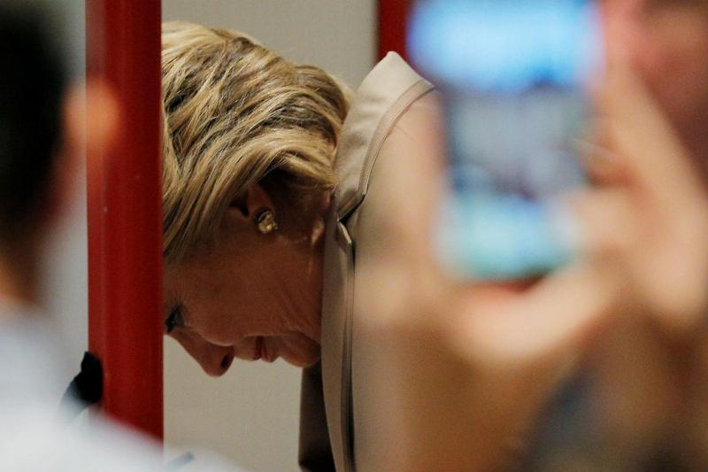 Hillary Clinton, acompanhada por Bill Clinton, votou em Nova Iorque