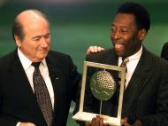 Jogador do Século da FIFA: Maradona e Pelé