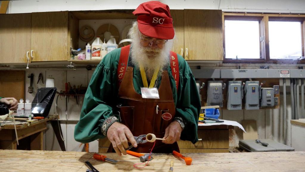 Charles W. Howard Santa Claus School no Michigan