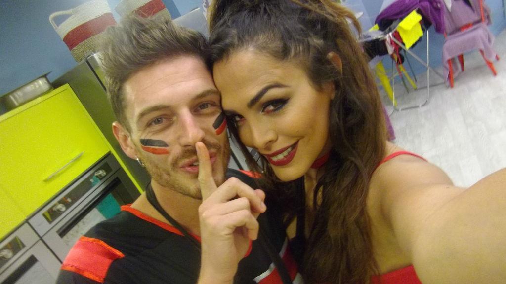 6 FOTOS - As selfies de Amor na College Party