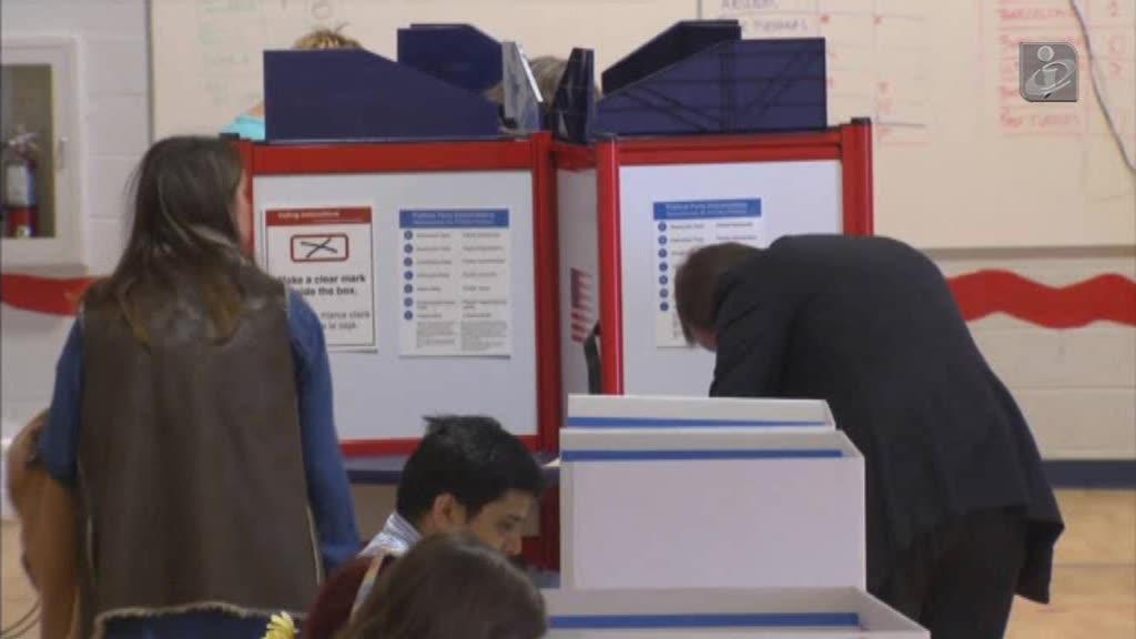 Recontagem de votos nos EUA: Clinton vai participar