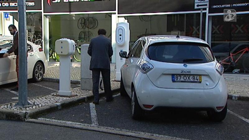 Carros elétricos vão pagar menos do que a gasolina para abastecer