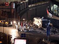 10 de dezembro de 2016: duas bombas (um carro armadilhado e um bombista-suicida com colete) explodem junto ao estádio do Besiktas, a duas horas de um jogo com o Bursaspor. Morreram 38 pessoas.
