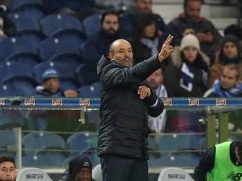 Nuno quer Benfica «a jogar com pressão de ter só um ponto de distância»
