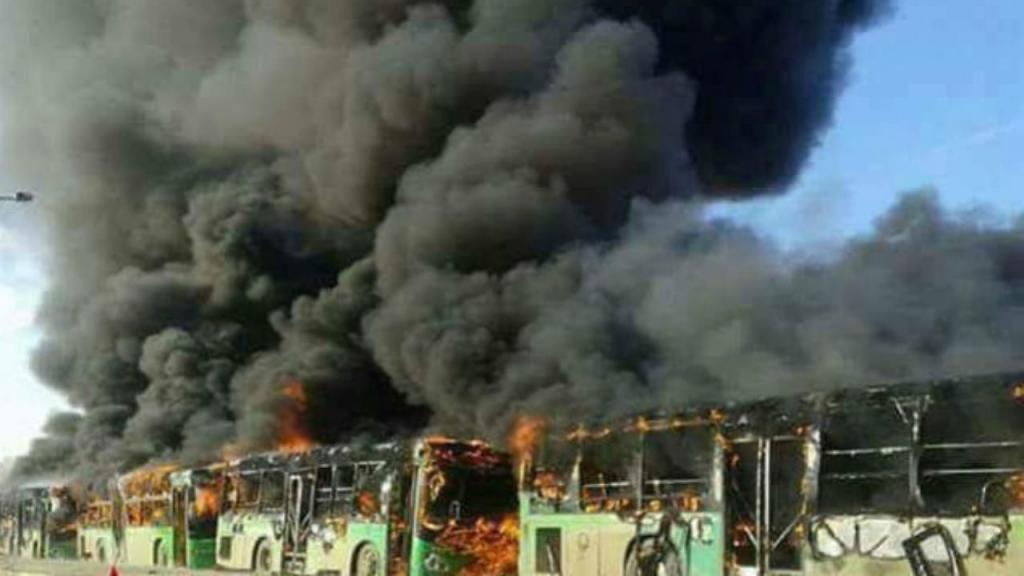 Autocarros incendiados em Alepo