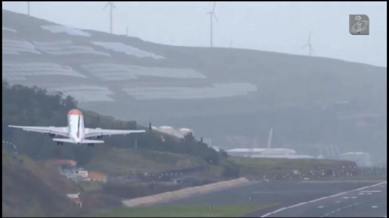 Vídeo mostra avião com dificuldades em aterrar na Madeira