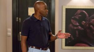 Selma mostra a Norberto as provas da sua inocência