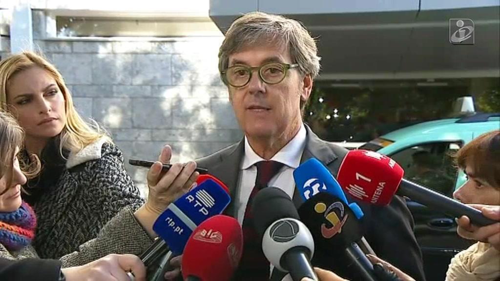 """Mário Soares permanece em situação """"muito crítica"""""""