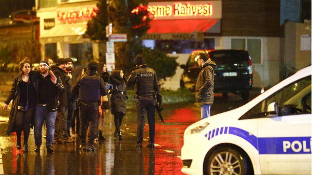 Massacre em discoteca de Istambul - Turquia