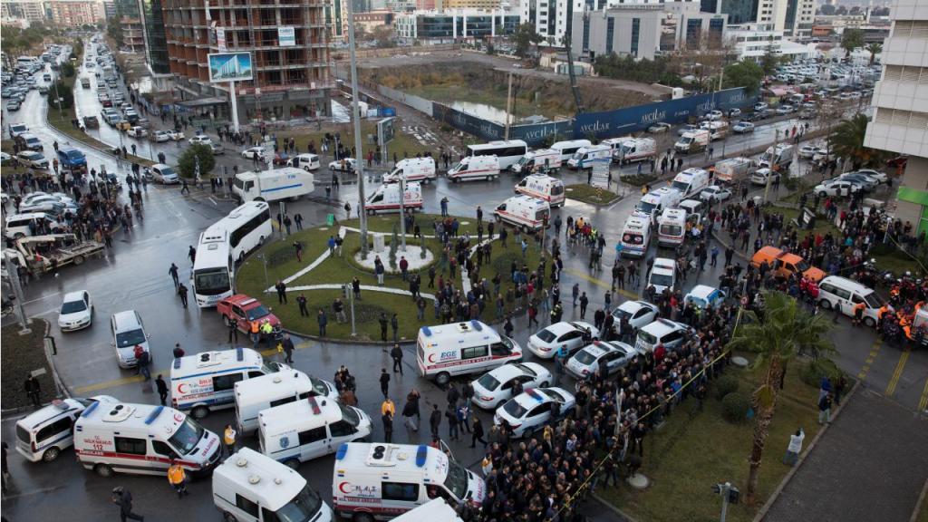 Izmir (Turquia) - Atentado no tribunal