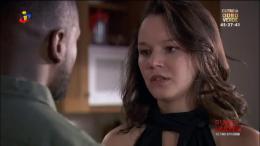 Sara despede-se de Leandro