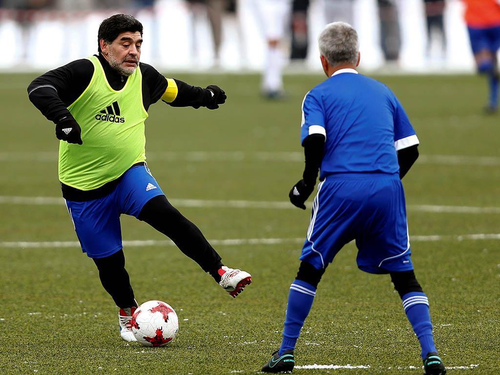 Jogo das lendas da FIFA (Reuters)
