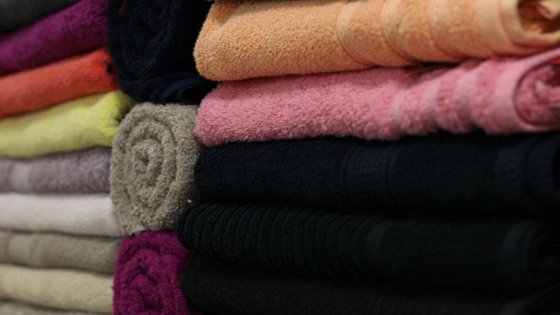 Com que frequência devemos lavar as toalhas de banho?