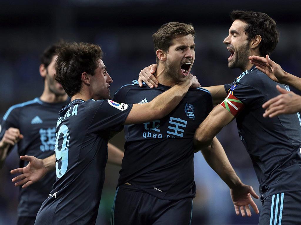 OFICIAL: Real Sociedad contrata defesa ao Real Madrid