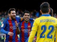 Hélder Lopes, Messi e Suarez (Reuters)
