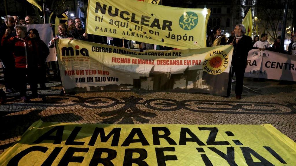 Almaraz: Vigília contra central nuclear