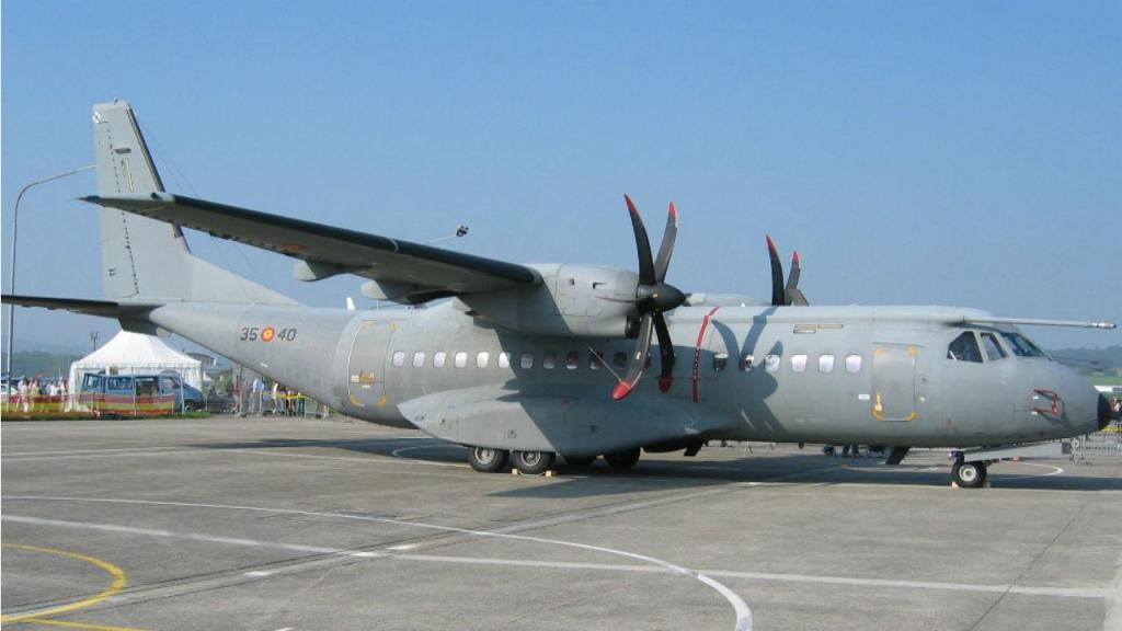 Avião C-295