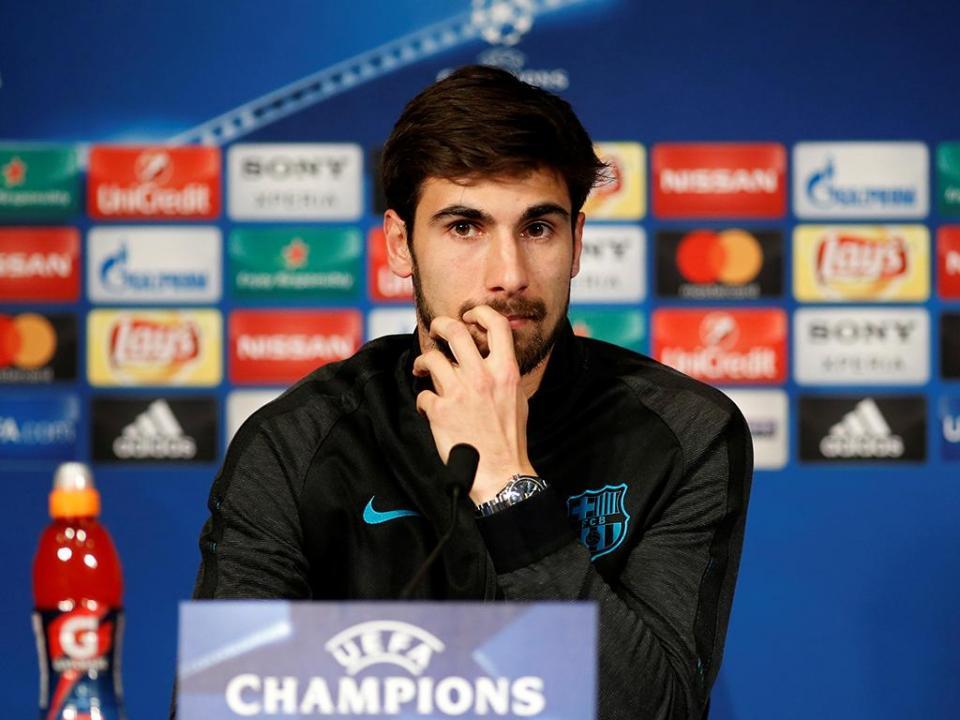 Vítor Baía sobre André Gomes: «No Barça há que saber suportar a pressão»
