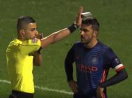 David Villa expulso por vídeo-árbitro