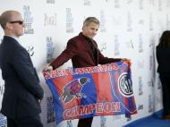 Viggo Mortensen com bandeira do San Lorenzo