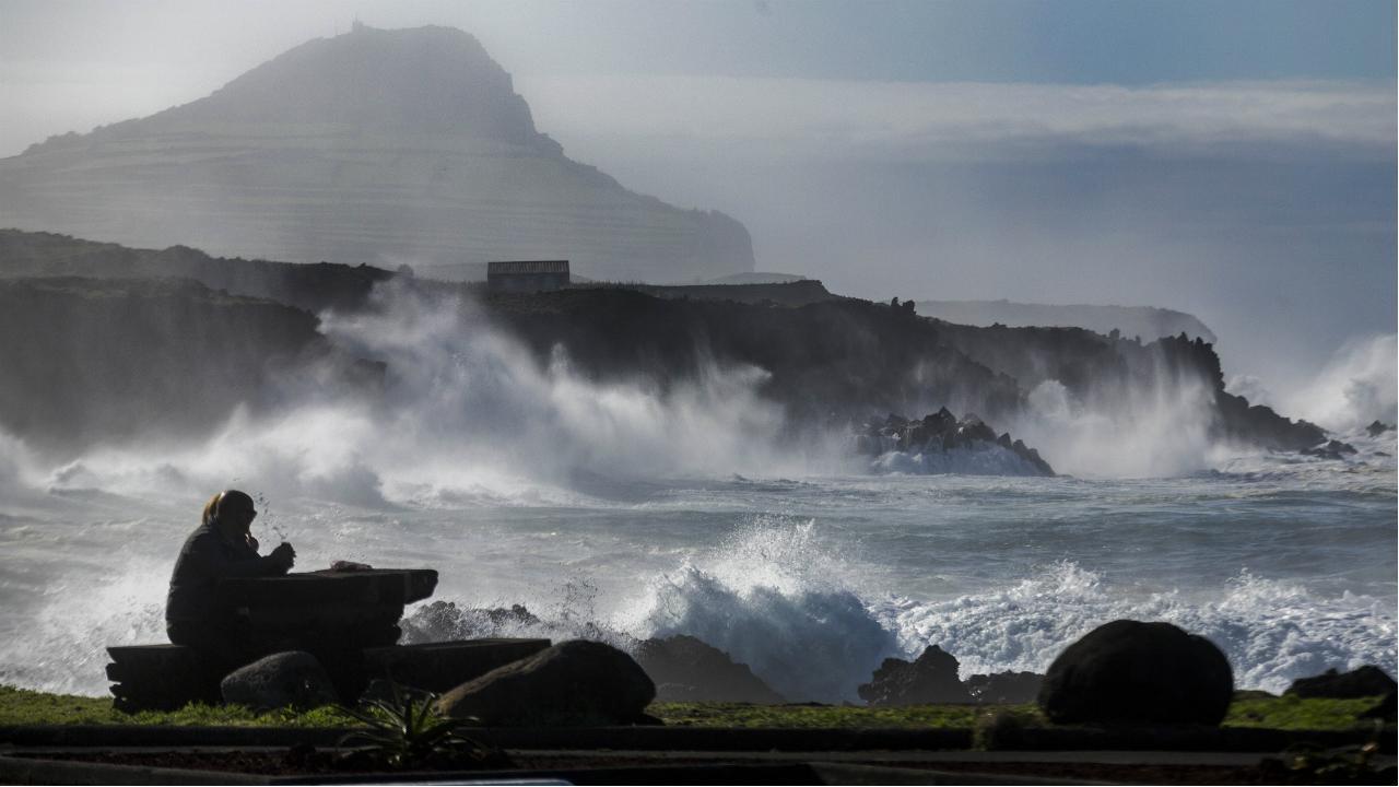 Forte ondulação na ilha do Pico