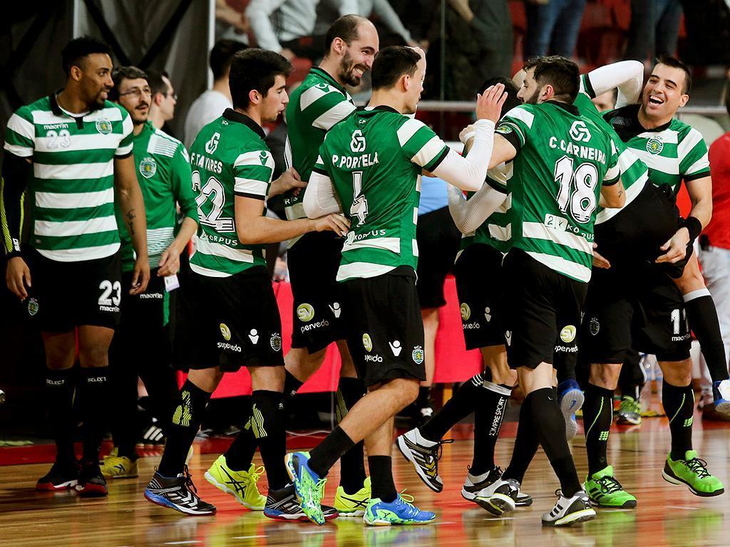 Andebol: Benfica-Sporting (Lusa)