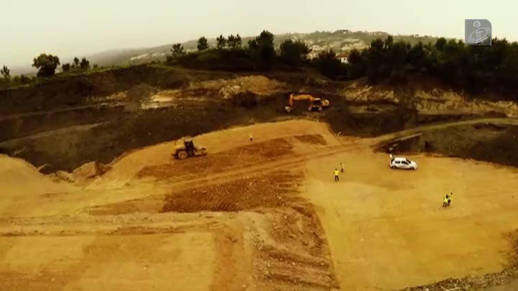 Ainda há toneladas de resíduos perigosos nesta mina de Gondomar