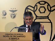Troféu tricampeão Benfica (LUSA)