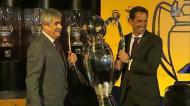 Benfica recebeu troféu especial pelo tricampeonato