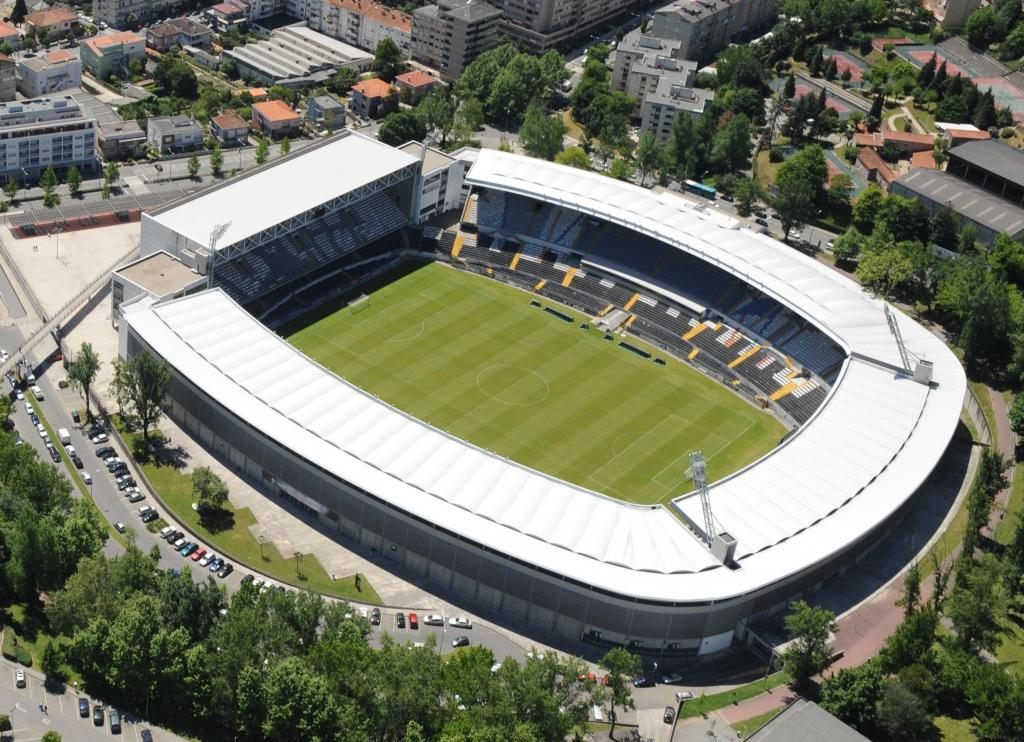 4º: Estádio D. Afonso Henriques, V. Guimarães. Média na Liga 2016/17: 16.613 espectadores.