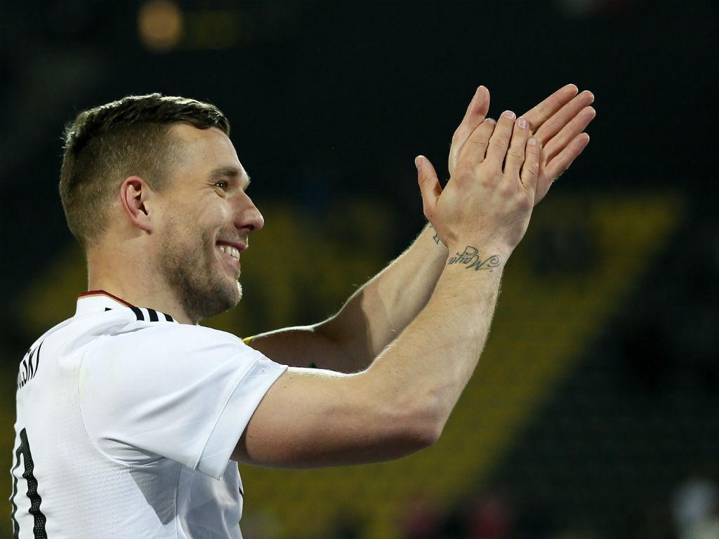 Podolski disse adeus com golo no Alemanha-Inglaterra