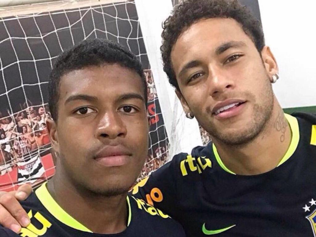 Benfica: São Paulo exerceu direito de opção sobre Léo Natel