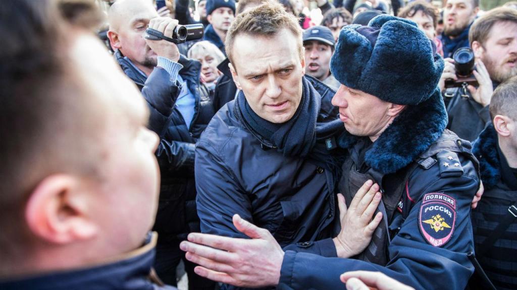 Milhares de russos saíram à rua em protesto. Marchas aconteceram em várias cidades