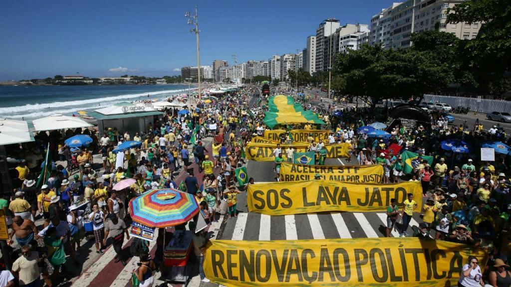 Brasileiros protestaram contra a impunidade dos políticos