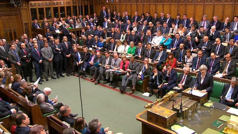 Theresa May informa os deputados britânicos que artigo 50 foi acionado