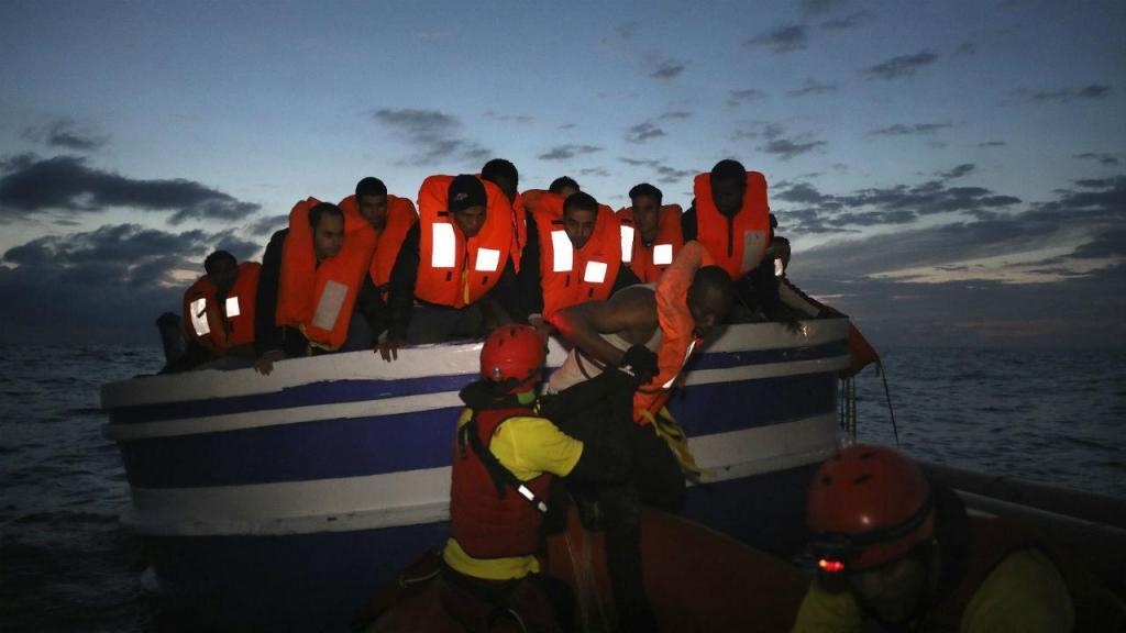 Migrantes resgatados do Mediterrâneo