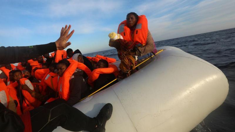 Bebé de quatro dias resgatado no mar Mediterrâneo