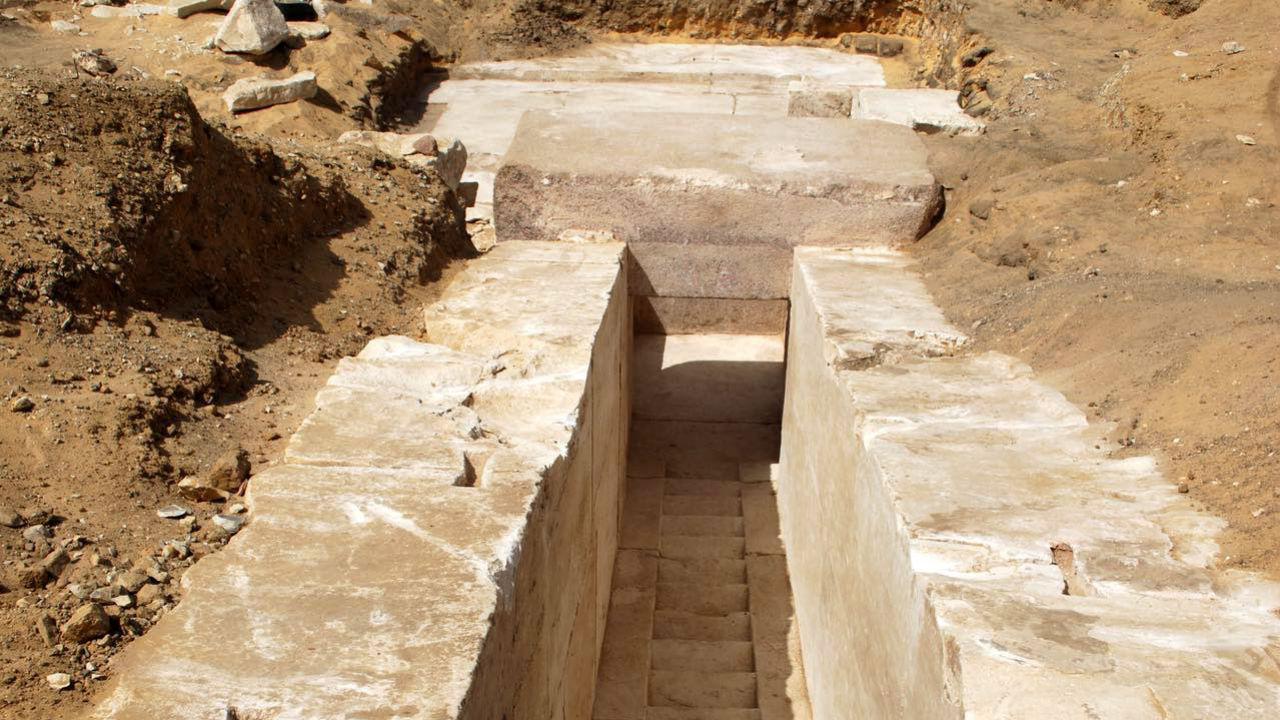 Nova descoberta arqueológica no Cairo