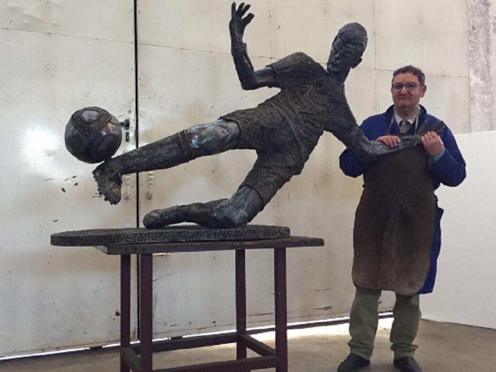 Casillas, escultura (twitter)