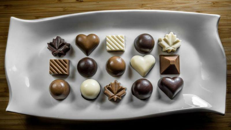 Família de sírios são mestres de chocolates