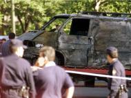 1 de maio de 2002: um carro-bomba explode junto ao Estádio Santiago Bernabéu, quatro horas antes de um Real Madrid-Barcelona, num ataque com assinatura da ETA.