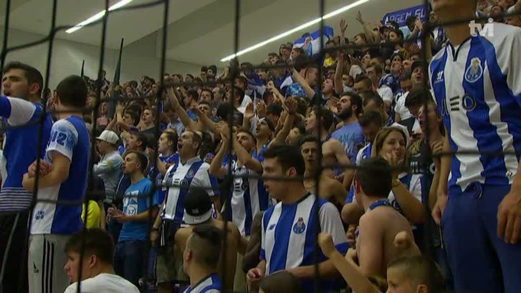 FC Porto demarca-se de atitude da claque dos Super Dragões