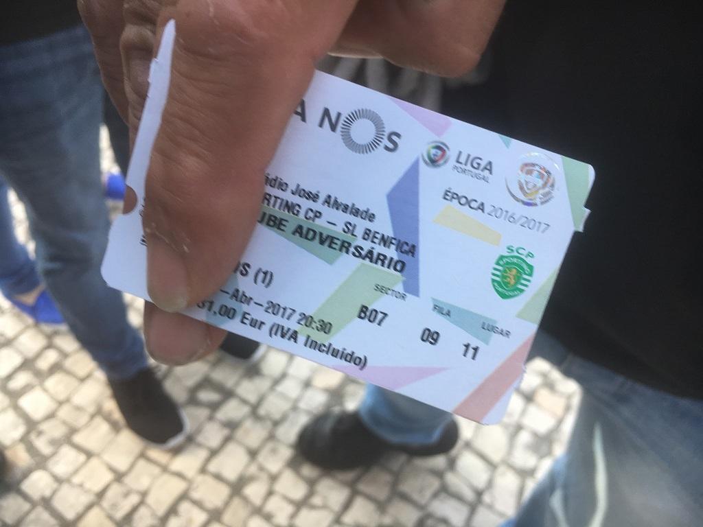 """58f8767c0cf286213f280c68 Benfica: entradas para el derby """"volaron"""" en una hora y media"""