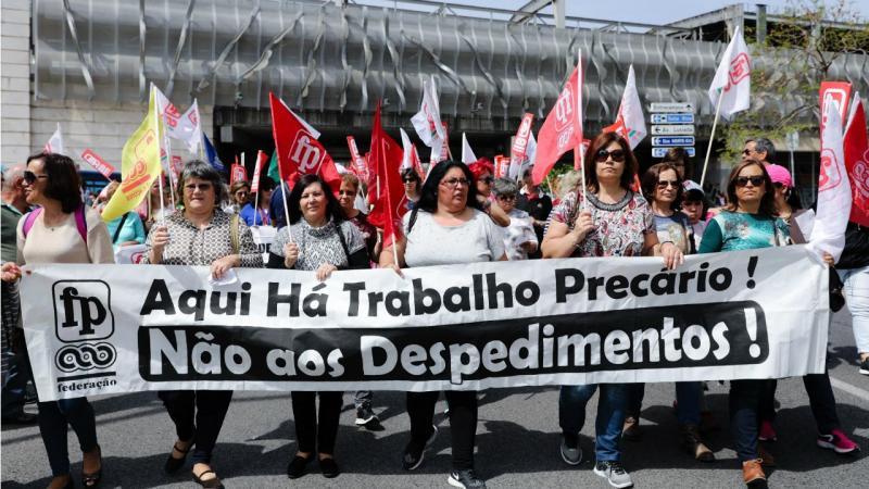 Manifestação auxiliares escolas