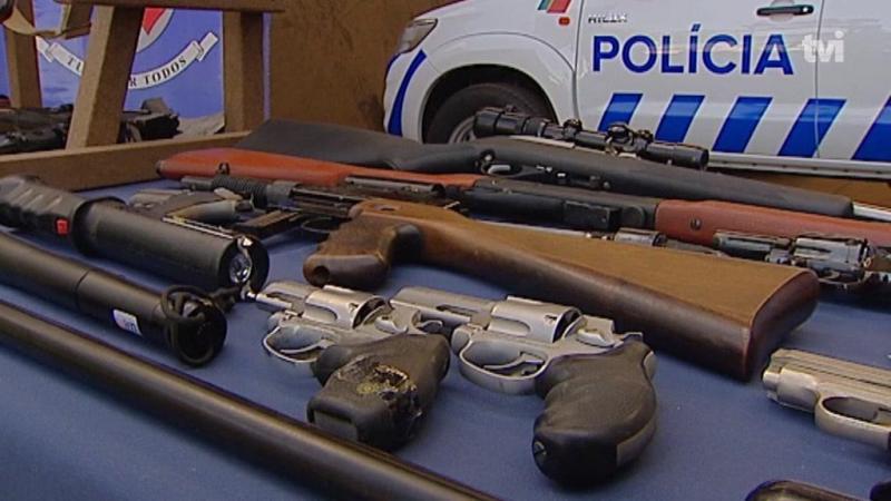 Há mais pessoas a entregar armas voluntariamente